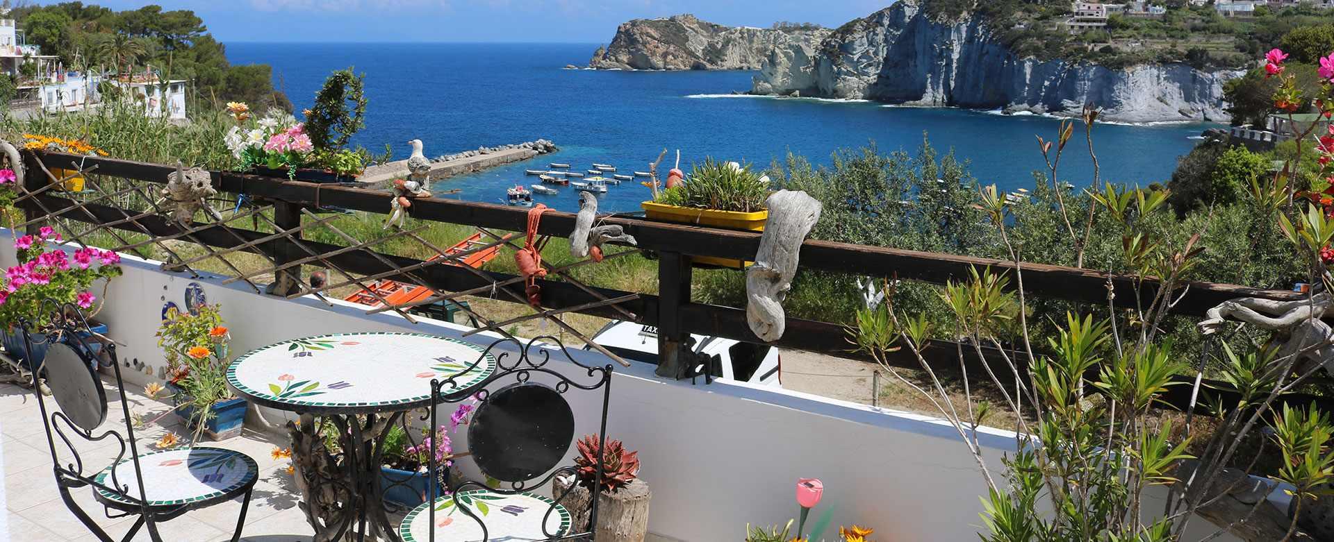 Affitto e vendita appartamenti vacanze a ponza ponza for Appartamenti ponza